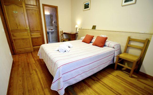 hostal-ezkaurre-isaba-habitaciones (7)